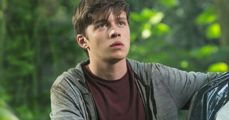 Go Inside 'Jurassic World' with Nick Robinson | EXCLUSIVE -- Nick Robinson tells us how he bonded with his on-screen brother Ty Simpkins on the set, shooting in Hawaii and much more about 'Jurassic World'. -- http://movieweb.com/jurassic-world-interview-nick-robinson/