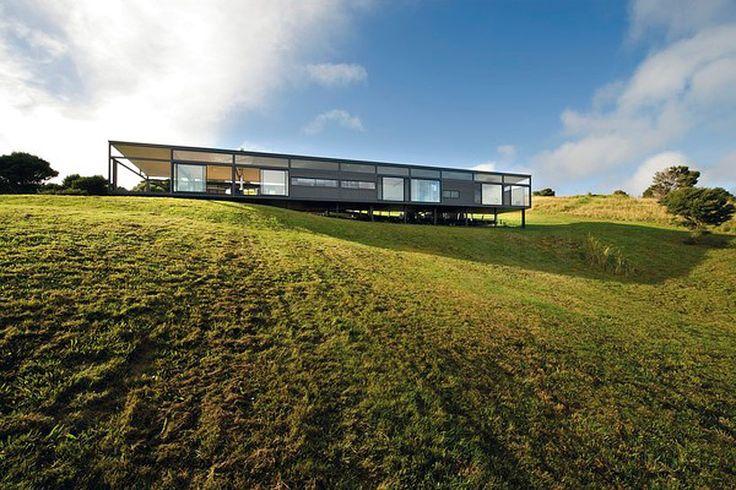BVN donovan hill places mann house in new zealand landscape - designboom   architecture