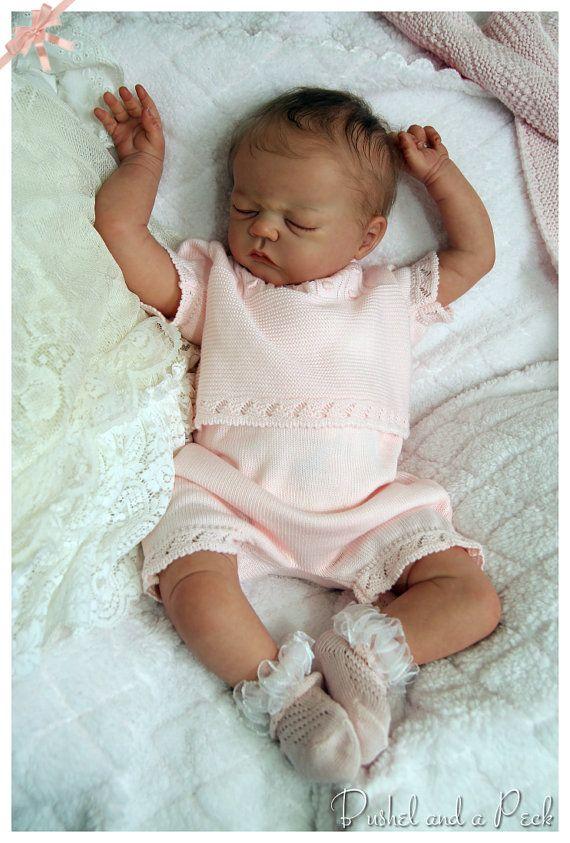 Sur commande pour poupée Reborn Monroe par bushelandapeckdolls
