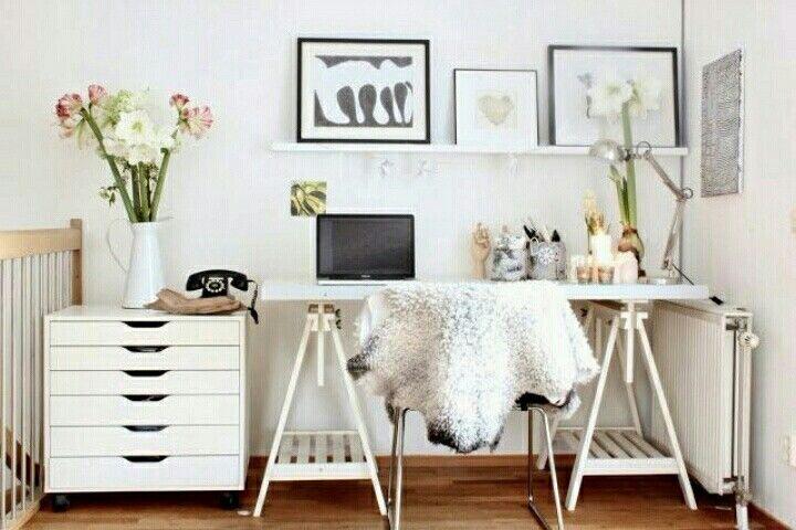 #scrivania #cassettiera #cavalletti #mensola
