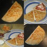 Queso quesadilla  Calorías: 298.2  Grasa total: 14.2 g  Colesterol: 30.5 mg  Sodio: 1,036.4 mg  Hidratos de Carbono: 18,8 g  Fibra dietética: 8.5 g  Proteínas: 23,0 g