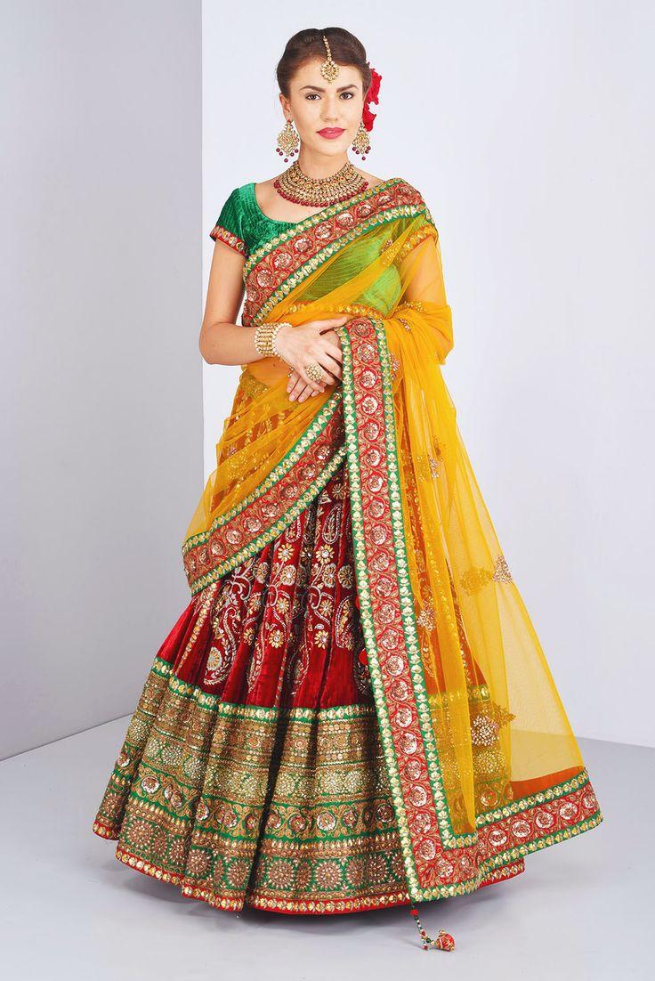 FRONTIER RAAS classic bridal lehenga with heavy dupatta #Flyrobe #Bride #Wedding #Lehenga #IndianWedding #designer #designerlehenga #lehengacholi #lightlehenga #heavylehenga