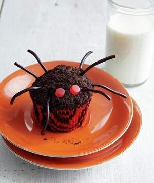"""Crawly Spider Cupcakes 
