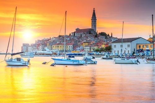 Our Taste of Croatia Gold Collection Itinerary is an indulgent gastronomy journey through Croatia. Experience all that this country has to offer by travelling through bustling cities and small towns, enjoying museums and galleries, palaces, castles and monasteries...