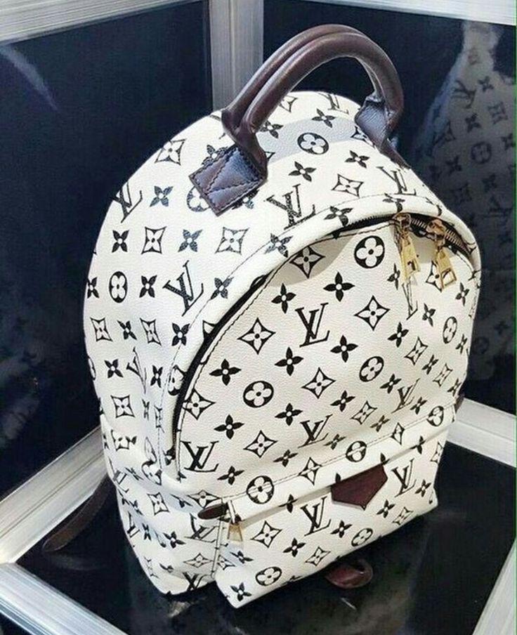 Mochila Louis Vuitton branca com monograma da marca