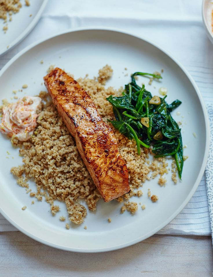 Moroccan salmon with cauliflower 'couscous' and garlic spinach - super healthy and absolutely delicious!
