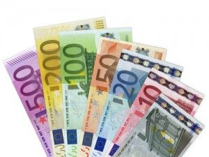 The traders were expecting the euro to fall yesterday against the U.S. dollar but the bulls took the pair up from its critical level of 1.3423 after which it closed at around 1.3445 mild resistance level. However, good news for sellers is that even though the pair is in short term bullish channel, but the overall sentiment is bearish because it has completed its 61.8% bullish correction of its past week's fall.
