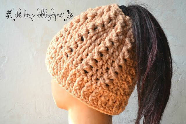 Messy bun hat - free pattern | The Lazy Hobbyhopper | Bloglovin'