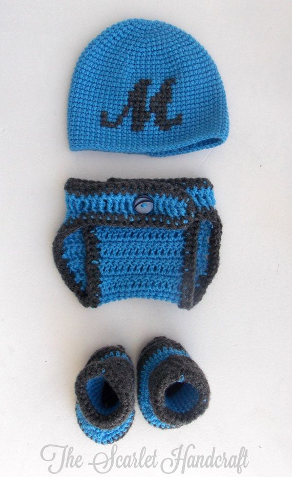 Baby Beanie Diaper Cover and Booties Set by TheScarletHandCraft