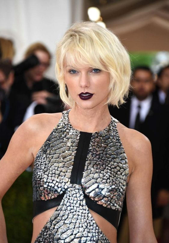 Blonde ambition: Bleach blonde is the only blonde to try this winter: Taylor Swift