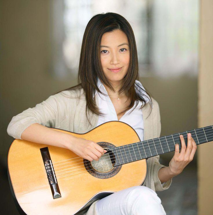 kaori muraji japanese classical guitarist classical