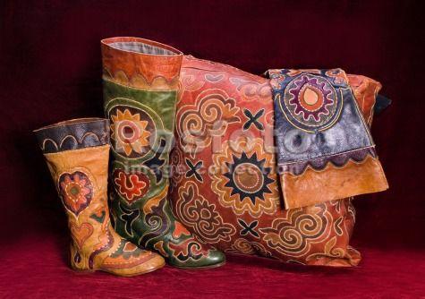 татарская узорная кожаная обувь From the collection of National museum of Tatarstan