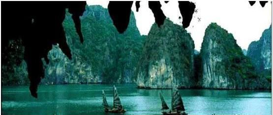 Travel in Vietnam for 15 days with Selective tours and Discover the most beautiful places, history and diversity culture of Vietnam on this Vietnam tour package