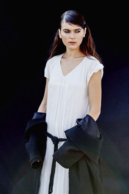 Купить Платье ОБЛАКО двухслойное из коллекции «…И ВХОДИТ ЖЕНЩИНА» от Lesel (Лесель) российский дизайнер одежды