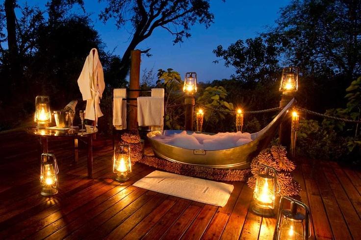 Un baño caliente en pleno Delta de Okavango en Sanctuary Baines' Camp