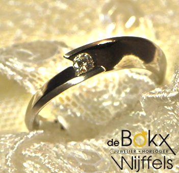 Fantasie ring | €625 0.09ct TWSI diamant  Wit gouden ring 14 karaat verloving ringen |Juwelier de Bokx Wijffels #verlovingsringen #aanzoekringen #goudenringen #goud #diamant #juwelier #debokxwijffels
