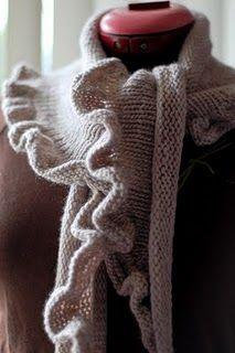 Gola Xale plissada em trico - VilaClub
