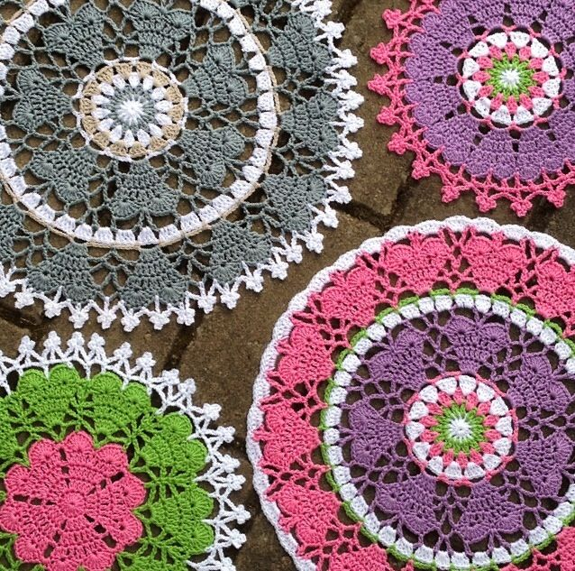 Crochet heart mandala . Pattern made by @crochet_millan