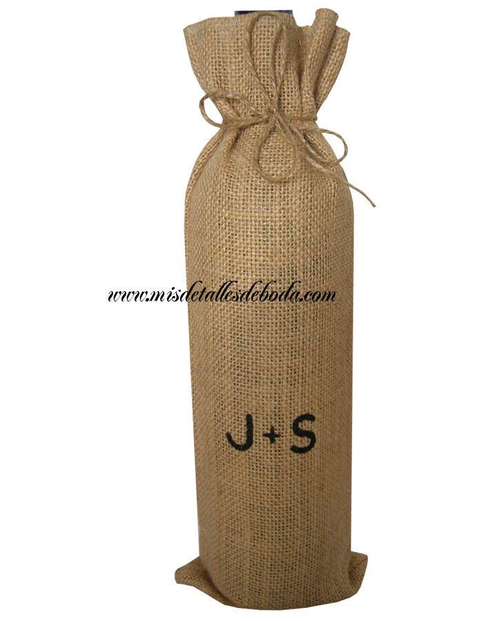 bolsa para botella de vino personalizada con iniciales de los novios http://www.misdetallesdeboda.com