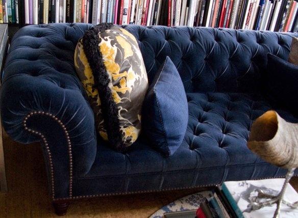 Navy blue velvet chesterfield sofa furniture we love - Navy blue velvet sofa ...
