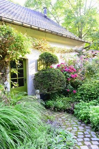 Garden of Dina Deferme
