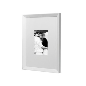 Perry Frame White A4