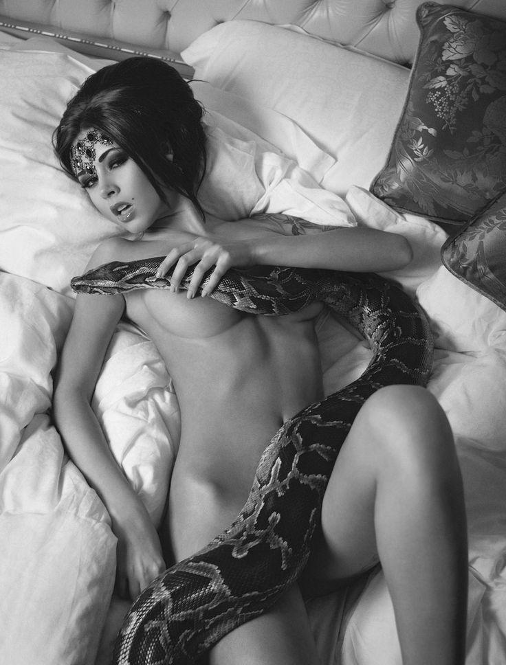 Naked glenda kemp with snake 6