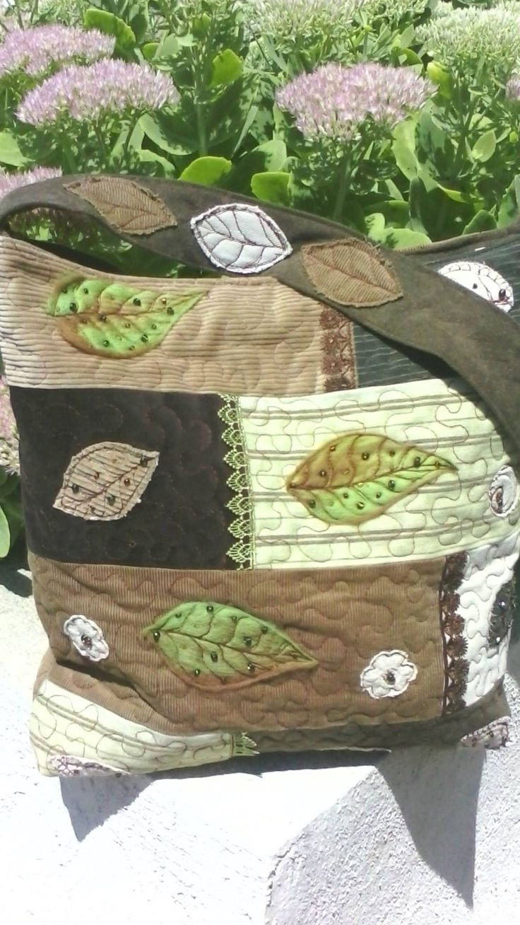 Could machine embroider or embellish for this patchwork bag