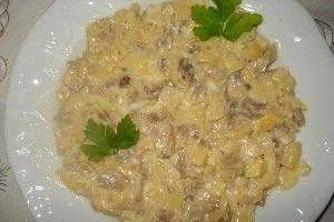 Salata de ciuperci cu usturoi si maioneza din Carte de bucate, Aperitive. Specific Romania. Cum sa faci Salata de ciuperci cu usturoi si maioneza