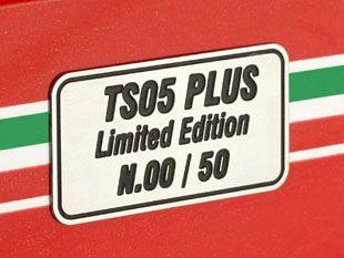 TS05P ( LIMITED EDITION SOLO N. 50 PEZZI NUMERATI ) Gilles Villeneuve Race Transporter Set G.P. San Marino 1982 Villeneuve #27