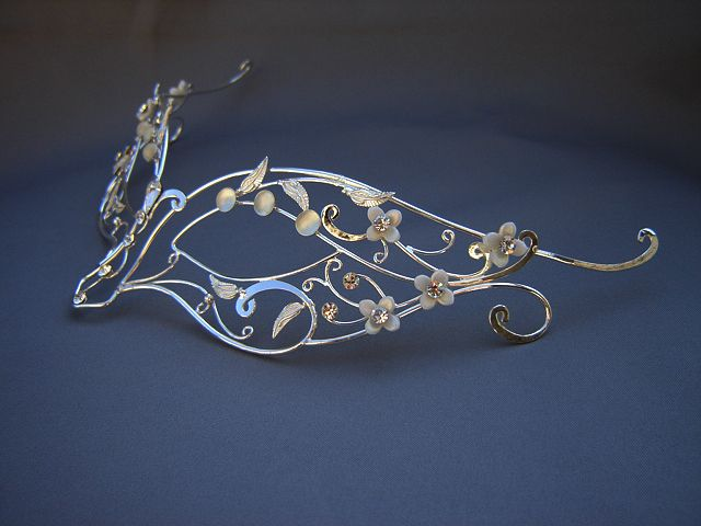 Beaded & hammered silver wire mask - how interesting  #handmade #jewelry