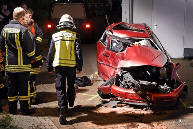 Bielefelderin übersieht herannahendes Auto +++  60-Jährige stirbt bei Zusammenstoß