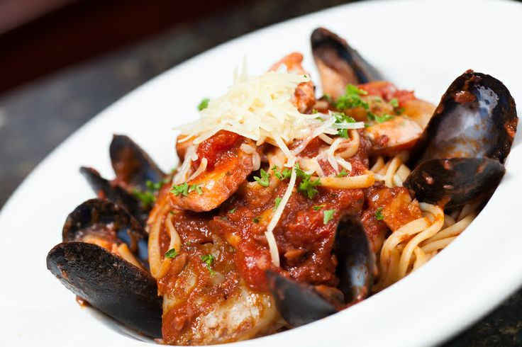 Delicious, fresh Seafood Linguini. Is your mouth watering yet? Yum!