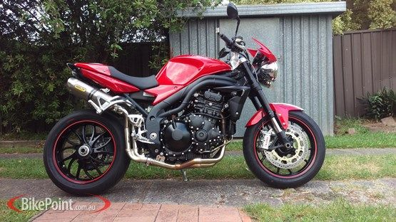 2010 Triumph Speed Triple 1050 SE