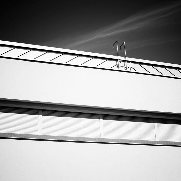 Stupid Colors #architecture #photography #black&white #minimalistic #minimal