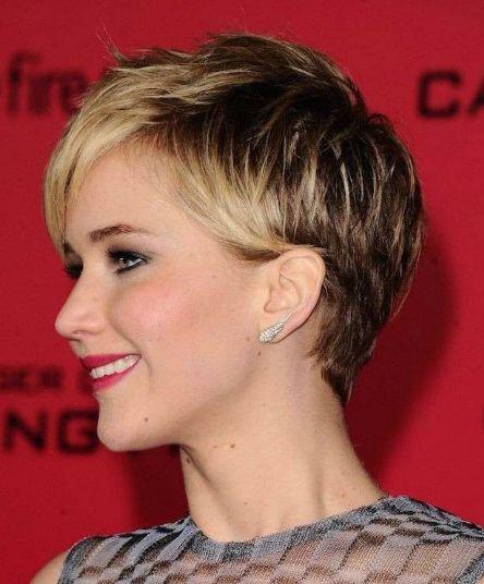 ❤ ❤ Las mujeres son súper coquetas, y tener el pelo corto no excusa para no realizarse un buen peinado. Existen muchas opciones que vamos a mostrarte. ❤❤