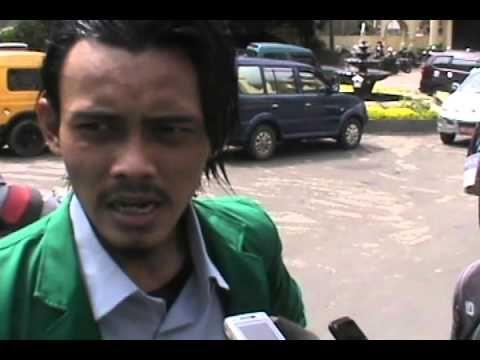 IAIN Membara : Mahasiswa Tuntut Revolusi IAIN