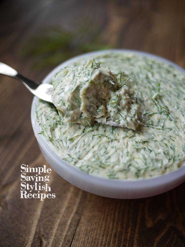 季節のハーブの保存に♪【香りを長く楽しむフェンネルバター 】 by SHIMA / たくさん収穫したり、購入した時に使い切れくても安心!季節のハーブを長期保存!普段のお料理も大活躍なハーブバターに。サラダに、ドレッシング、お肉やお魚料理に大活躍なハーブ、爽やかな香りがとっても素敵なフェンネルちょっと長くフレッシュさを楽しめてお料理にも活躍する保存法バターに練りこみ冷凍しておくことで香りも保ち、お肉やお魚のソテーに茹で立てのパスタに絡めたり、パンに塗ったり、オーブン料理にも / Nadia