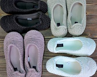 100% Cotton, Lace, Bridal wedding dance shoes, slippers, barefoot, Bridal Party, Bridesmaid slippers #cavenue