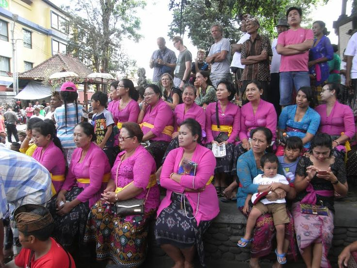 Faces of Bali: Andong ladies colour-coordinated at a cremation ceremony, Tebesaya, 2 September 2015
