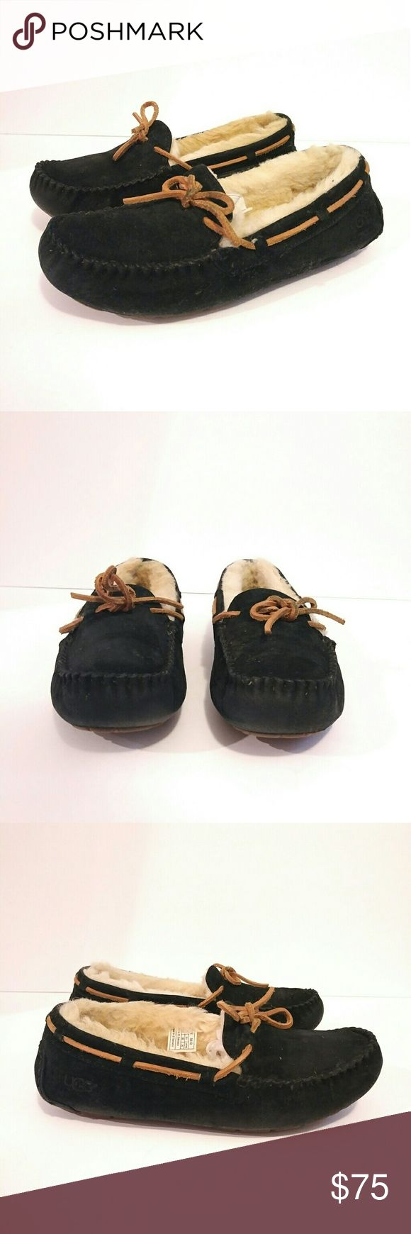 UGG australia black moccassin size 7 UGG Australia Black shoes flats moccassin  Indoor outdoor slipper Women's size 7 eu 38 Black and tan Sheepskin slippers UGG Shoes Moccasins