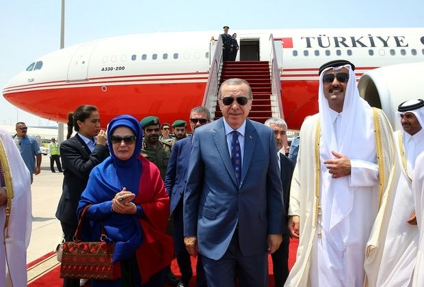 Berita Islam ! Erdogan Kunjungi Negara Arab-Teluk untuk Redakan Krisis Mesir Tegaskan Akan Tetap Blokade Qatar... Bantu Share ! http://ift.tt/2v68cab Erdogan Kunjungi Negara Arab-Teluk untuk Redakan Krisis Mesir Tegaskan Akan Tetap Blokade Qatar  Presiden Turki Recep Tayyip Erdogan berharap kunjungannya ke kawasan Teluk akan meredakan krisis seputar sekutu Ankara Qatar. Namun akan lebih banyak waktu dibutuhkan untuk mengakhiri kebuntuan tersebut kata Erdogan seperti dilansir Middleeasteye…