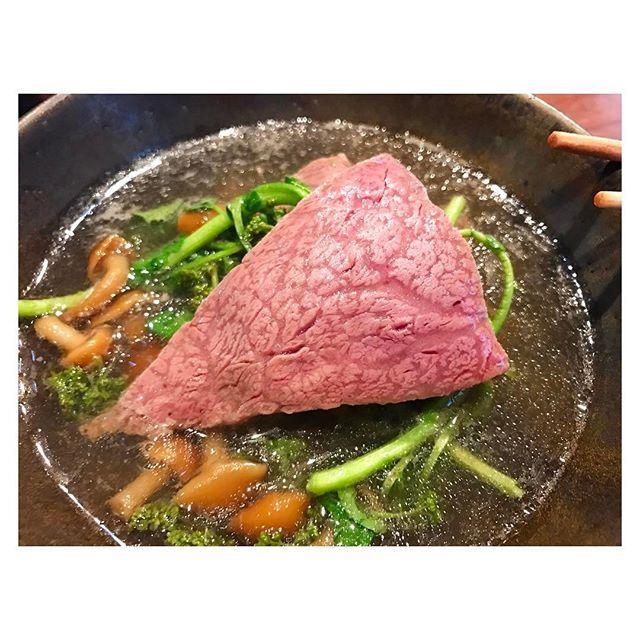 花山椒フィレしゃぶ🐮❤️😋 美味しすぎ💕  #japanesefood #foodporn #foodie#tokyo#beef#wagyu#fillet#花山椒#鍋#フィレ#肉#牛肉#美味#なめこ#クレソン