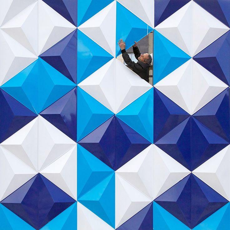 Advogado atuante, o libanês Serge Najjar aprimorou, nas horas vagas, uma forma particular de registrar a selva de concreto das cidades. Através das suas lentes, formas e sombras de prédios dão luz a imagens curiosas, que chegam até a beirar o impossível.