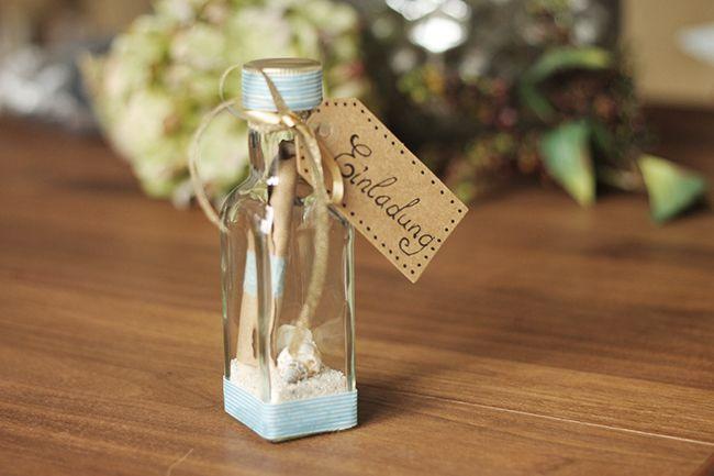 Einladung Flaschenpost für den Kindergeburtstag. Message in a bottle - invitation.