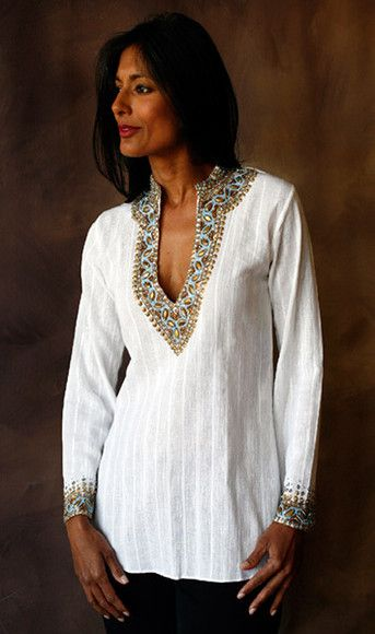 Zardozi neckline!   CLICK THIS PIN if you want to learn how you can EARN MONEY while surfing on Pinterest
