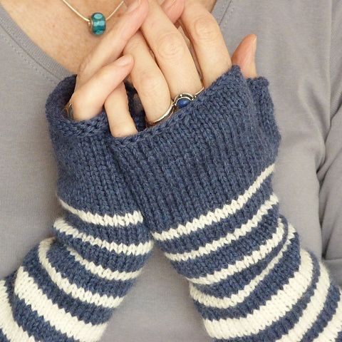 These simple and yet classic finger-less gloves are functional but also fun with funky, bold stripes. The Bisontine Mittens are a must-have for everyone at any age!