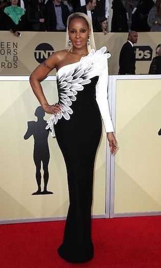 Mary J Blige  How stunning does Mary J look?! The singer-turned-actress was ready to take flight in this stunning black-and-white gown. Photo: © Getty Images 2018