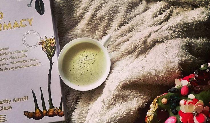 Po pracowitym przedpołudniu relaksujemy sie przy matcha latte na mleku ryżowym z kokosem. Pycha! Wszystkie składniki do kupienia na bio-market.pl #biomarketpoznan #vegan #poznan #zielonypoznan #stayhealthy #biomarket #bio #zdrowadieta #zdrowazywnosc #healthyhabits #healthy #lifestyle #love #matcha #latte