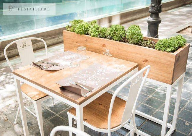 sillas y mesas de hierro y madera. www.fustaiferro.com #hotel #bar #restaurante #cafeteria #hotel #evento #diseño #madeinspain